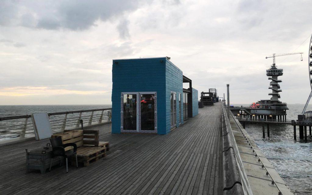 Surfschool Scheveningen op de pier is bijna af